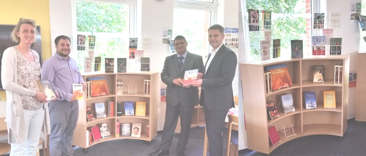 Donation of books for India Corner at ISHR, Hannover